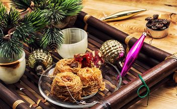 Christmas decorations and eastern sweets - бесплатный image #302041