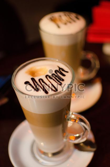 Two glasses of latte - image gratuit #302321