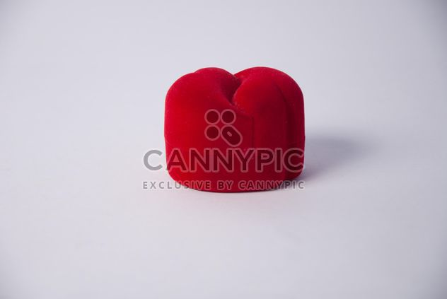 Red engagement ring case - Free image #303971