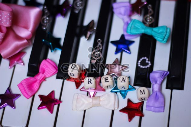 Decorated piano - Free image #304641
