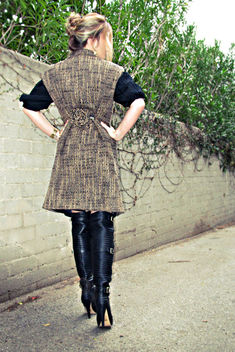diy sleeveless coat diy+flower pin diy+coat cincher+over the knee boots+tones - Free image #314531