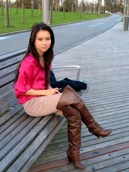 IMG_4816 Woman wearing leather boots - бесплатный image #314701