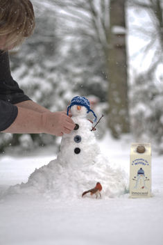 It's cold outside. Even with an Innocent smoothie! - image gratuit #317251