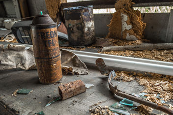 Abandoned Work Bench - image gratuit #319231