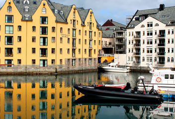 Alesund Norway #dailyshoot #reflections - Free image #323991