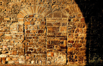 St Pierre Chepstow old walled up doors #dailyshoot # - image gratuit #324601