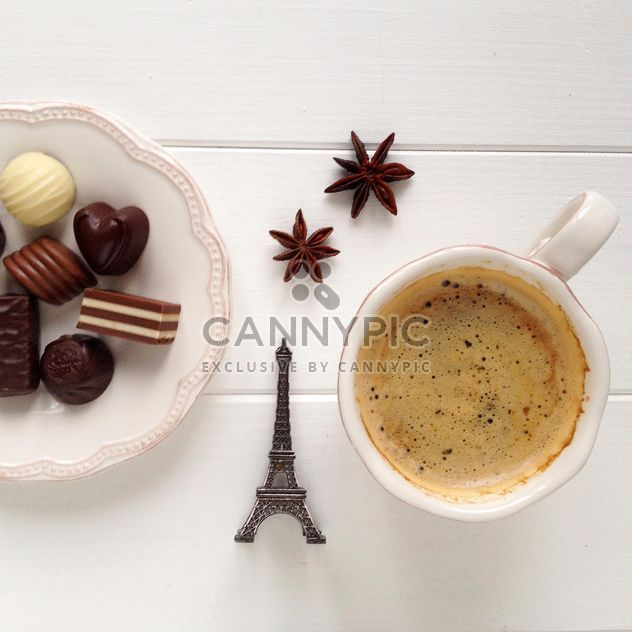 Cup of coffee, candies and anise - image gratuit #329091