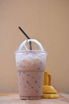 Iced coffee in plastic glass - image gratuit #330431