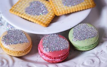 beautiful colorful sweets macaron - image gratuit #330871