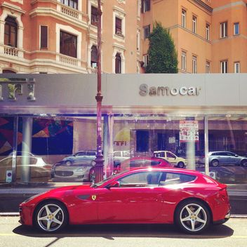 Red Ferrari car - image gratuit #331131