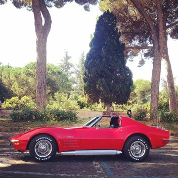 Old red Corvette - image gratuit #331561