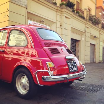 Old red Fiat 500 car - image gratuit #331951