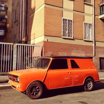 Old orange car - image #332271 gratis