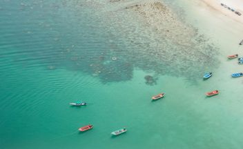 Fishing boats near Islands In Andaman Sea - image #332961 gratis