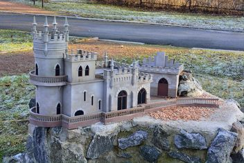 Castle of Swallow Nest in the Crimea - image #334161 gratis