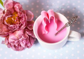 White cup with pink liquid - image gratuit #334311