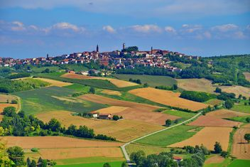 View on Monferrato village in Piemonte - image #334781 gratis