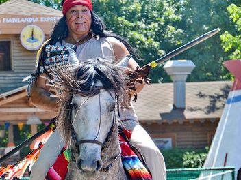 Horse rider in a costume of Indian of America - бесплатный image #334851