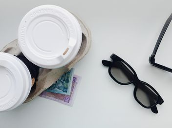 Cups of coffee, 3d cinema glasses and money - image gratuit #337911