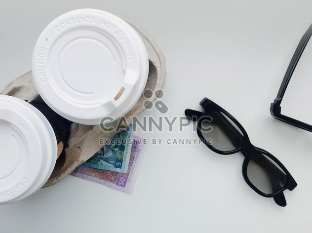 Cups of coffee, 3d cinema glasses and money - image #337911 gratis