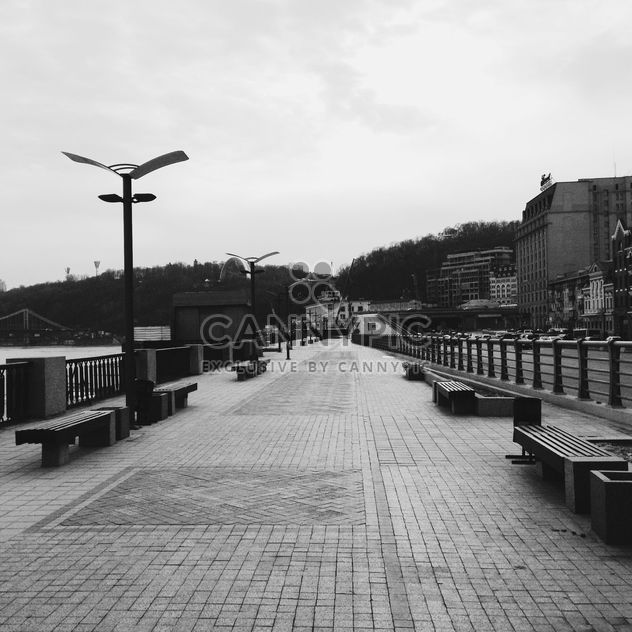 embankment of Dnipro river near Poshtova square - бесплатный image #343511