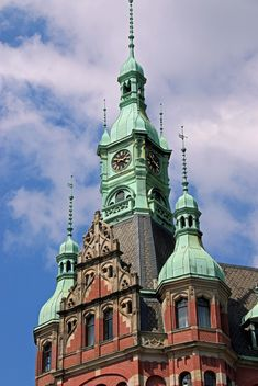 Tower against cloudy sky, Speicherstadt, Hamburg, Germany - бесплатный image #346271