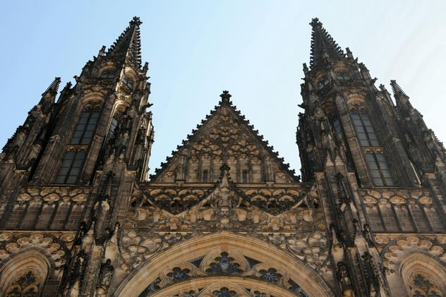 Exterior of the St.Vitus Cathedral in Prague, Czech Republic - бесплатный image #348411