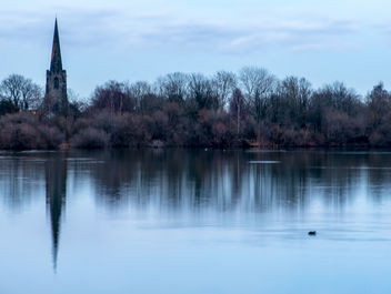 St. Mary the Virgin Church across Attenborough Nature Reserve - бесплатный image #356541