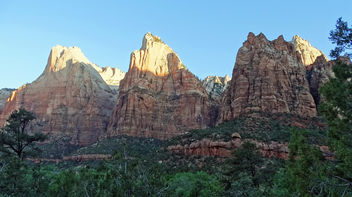 Sunrise on The Three Patriarchs, Zion NP 2014 - image gratuit #380461