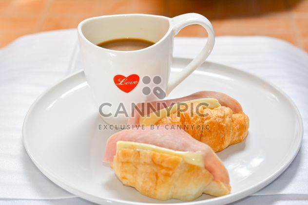 Sandwiches and cup of coffee - image gratuit #380501