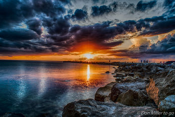 Cloudy Sunset at the Jetty - image #387011 gratis