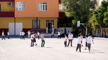 kids play at school break - бесплатный image #398321