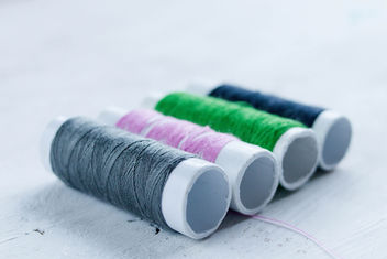 Colorful sewing thread - image #447531 gratis