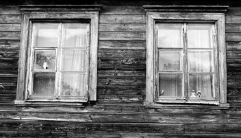 Old Houses and Windows #Viljandi #Estonia #monochrome - Free image #448041
