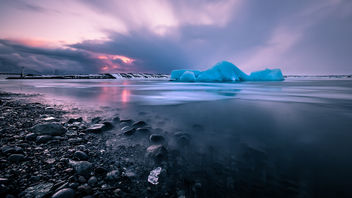 Sunset at the Glacier Lagoon - Iceland - Seascape photography - бесплатный image #452091