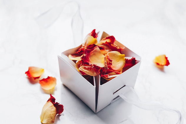 Rose petals in a gift box.jpg - image #454251 gratis