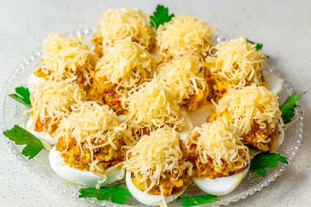 Stuffed eggs with cheese - бесплатный image #457611