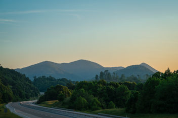 The Last Light of Day Shining on the Blue Ridge Mountains - бесплатный image #461301