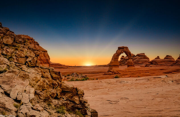 Arches National Park - Delicate Arch at Sunrise - image #473121 gratis
